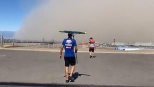 Una tempesta di sabbia spaventa il paddock della Superbike in Argentina