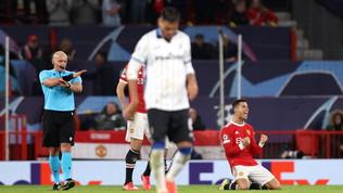 L'Atalanta a due facceesce dall'Old Trafford a testa alta