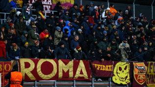 Razzismo: tifoso Roma espulso dallo stadio | Ululati in Lazio-Marsiglia?